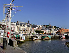 SNB10529- Trouville in Normandie France (Rolye) Tags: france boats yahoo google fishing image ships samsung www images bateaux com normandie deauville trouville nv7 nv7ops rolye