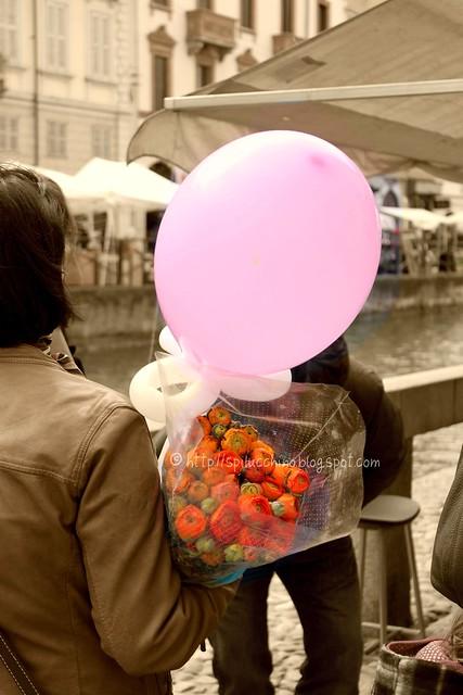 palloncino rosa per la campagna contro i tumori al seno