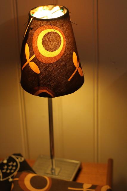 lillelille lampeskjerm under laging