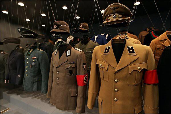 Nazi-uniforms