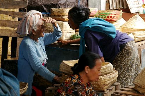 stallholders at Ubud market