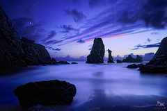 Juste aprs...... ( David.Keochkerian ) Tags: longexposure sunset moon seascape france lune photo bretagne explore morbihan hoya blending couchdusoleil nd400 belleileenmer digitalblending poselongue hoyand400 manualblending keoch