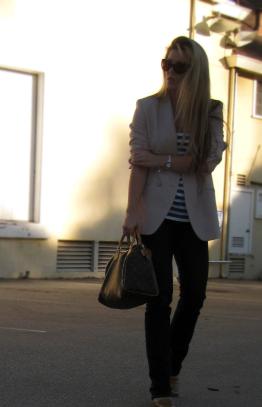 outfit+fashion+jeans and a blazer+photo+california+louis vuitton bag+loafers+stripes