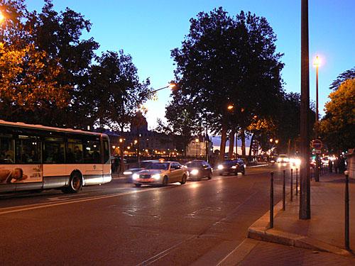 quais de seine la nuit, voitures.jpg