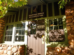 Phantom Ranch Canteen - front door - Grand Canyon National Park (Al_HikesAZ) Tags: ranch park door camping arizona building nationalpark friendship hiking grandcanyon grand front canyon hike national backpacking backcountry canteen phantom cantina frontdoor hartmut southrim phantomranch grandcanyonnationalpark camaraderie gcnp r2r2r alhikesaz belowtherim gc2010