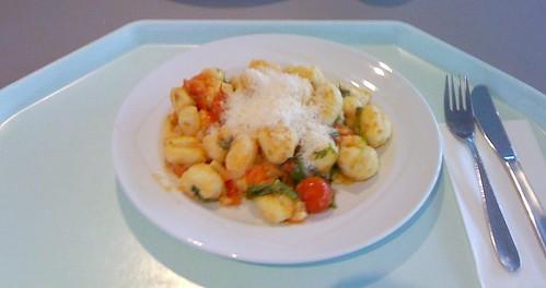 Gnocchi mit Ruccula & Kirschtomaten
