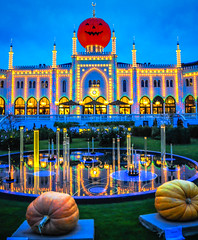 Tivoli Gardens Hotel Nimb and Pumpkins - Copenhagen (mbell1975) Tags: park orange fall halloween gardens night copenhagen pumpkin denmark lights hotel evening tivoli amusement europe dusk pumpkins eu fest kbenhavn kobenhavn nimb