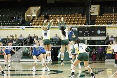 IMG_1804 (Edward_Sanchez_Photography) Tags: college sports sport oregon court 1 los mac university cheerleaders angeles action 10 heather ducks pit eugene ucla volleyball bruins 12 cheer division meyers cheering pac mcarthur the