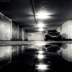 Under Reflex (Le***Refs *PHOTOGRAPHIE*) Tags: light bw white black reflection water underground hall nikon garage parking pluie nb explore reflet carro a3 audi frontpage hdr soussol zn zup d90 zupnord lerefs
