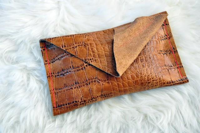 snake wallet