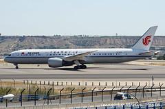 Air China 787 b-7832 (merlyn.pauley) Tags: madrid madridbarajasairport airport spain airchina b7832 787 boeing dreamliner