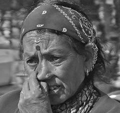 """NEPAL , Pashupatinath, Hindutempel und Verbrennungsstätten ,  Nepalesin , 16297/8631 (roba66) Tags: reisentravelexplorevoyagesroba66visiturlaubnepalasienasiasüdasienroba66nepalgeschichtepashupatinath""""pashupatinath""""""""pashupatinath""""""""herralleslebendigen"""" tempelstättehinduismusshivaitentempelverehrungsstätteshivatraditionreligion menschen people leute frau woman portrait lady portraiture blackwhite bw sw branco negro blackandwhite blancoenero blancoynegro monochrome byn bretoebranco einfarbig schwarzweis roba66 reisen travel explore voyages visit urlaub nepal asien asia südasien kathmandu pashupatinath """"pashu pati nath"""" """"pashupati """"herr alles lebendigen"""" tempelstätte hinduismus shivaiten tempel verehrungsstätte shiva tradition religion"""