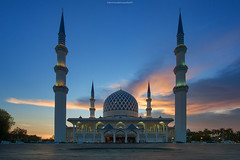 Sultan Salahuddin Abdul Aziz Mosque (GilbertChuaCS) Tags: sony ilce6000 samyang image muslim mosque masjid shahalam malaysia selangor sunset building architecture photography interest outdoor asia asian aasia destination famous visit