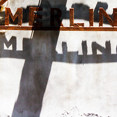 Merlin Merlin (daliborlev) Tags: shadow italy wall square typography rust text rusty oxidation sicily lettering catania mundanedetail trattoriamerlino