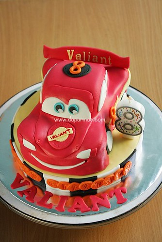 3D Cars Lightning McQueen Cake