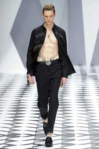 SS11_Milan_Versace0038_Johannes Niermann(VOGUEcom)