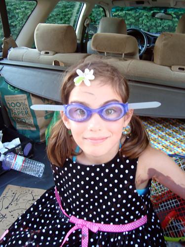 nina-goggles