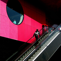 // (elen@c) Tags: pink people scale stairs milano 500x500 maciachini elenc