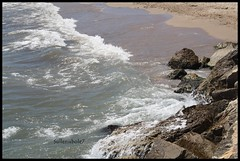 Olas vienen y van (Sullenubole7) Tags: sea summer espaa beach water mar spain agua rocks mare estate kodak playa verano cambrils spiaggia rocas ola spagna sabbia