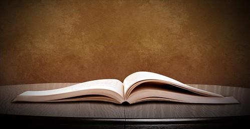 Thiết kế quyển sách kỳ diệu