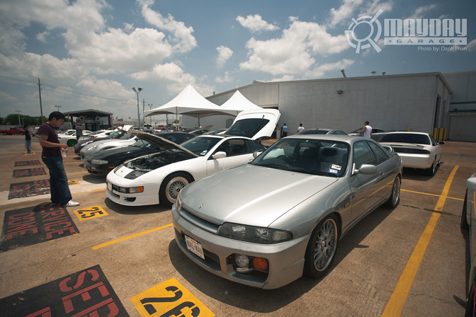 R33 chassis goodness, and that Z32 on BBS is raw.