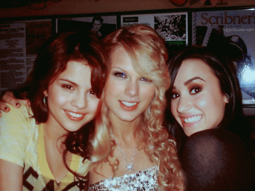 selena gomez and demi lovato and taylor swift. Selena Gomez, Taylor Swift and