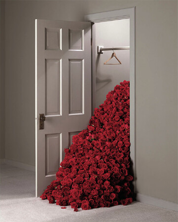 Geof Kern, Rose Closet, 2001