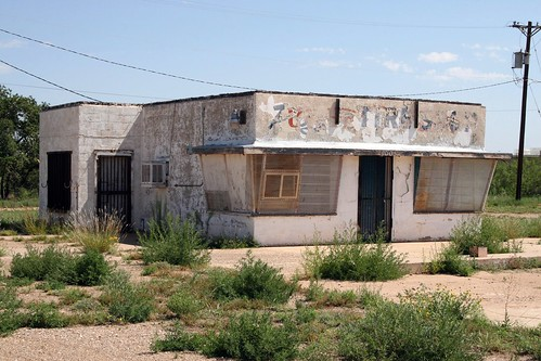 little building along old route 66 in tucumcari, new mexico