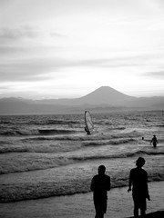 349/365: Fuji san (joyjwaller) Tags: ocean blackandwhite beach beauty japan freedom ancient surf waves foam fujisan enoshima mtfuji project365 webelongtothesea imonlyevercomfortableonislandsorneartheseaorincitiesofmorethan10million