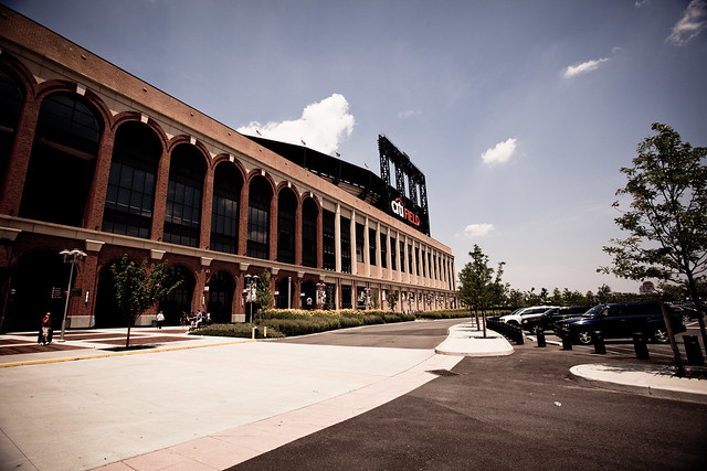 CitiField [EOS 5DMK2 | EF 17-40L@17mm | 1/800 | f/7.1 | ISO200]