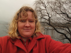 Self-portrait 25.7.2010 (Wendy Hawkes) Tags: selfportrait tree redcoat lakewallace 252010 wallerawant