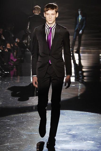 Bastiaan Ninaber3012_FW09_Milan_Gucci(VOGUEcom)