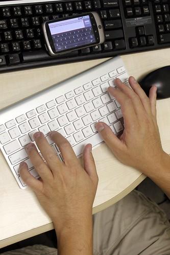 Apple Wireless Keyboard on a Nexus One