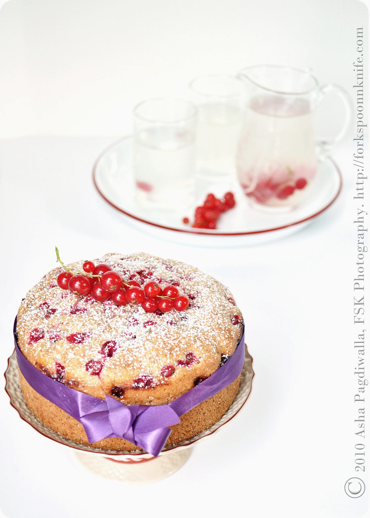 Red Currant Tea Cake with lemonade