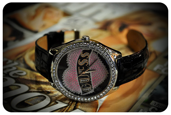 Zarraffa's Coffee: Guess Ladies Cupcake Heart Watch (Valentine Edition 2010)