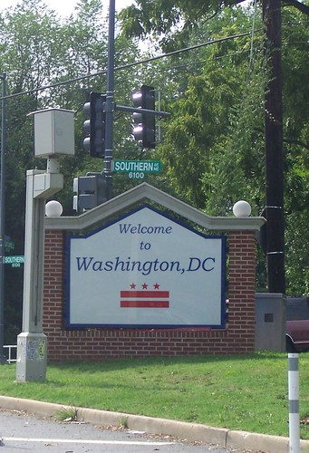 Gateway entry sign for DC, at East Capitol and Southern Avenue NE (cropped)