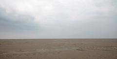 Zeit ohne Ende (Mastahkid) Tags: sea sky beach strand landscape sand meer himmel minimal landschaft nordsee sanktpeterording trostlosigkeit mastahkid ontourwithmyego abschiedindiesommerpause