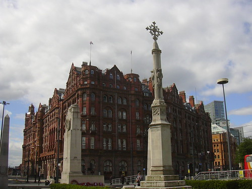 War Memorial and Midland Hotel, Manchester