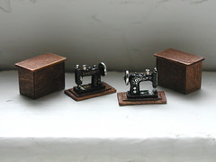 sewing machines, 1:24 scale