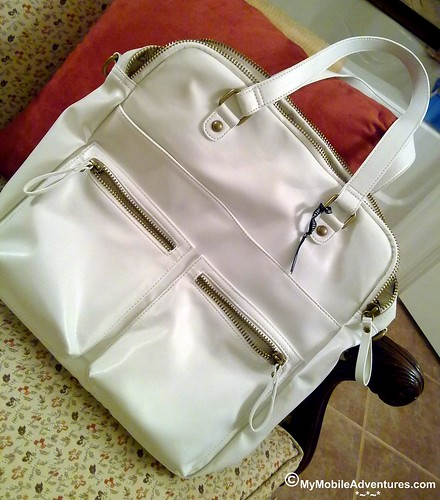 New carry-on tote for travel