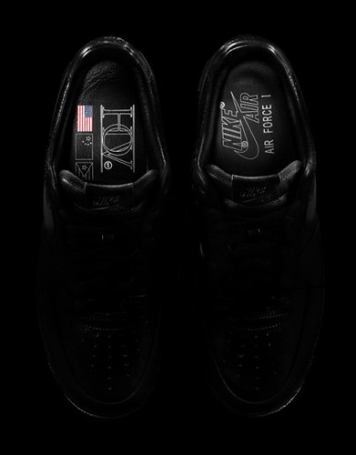 Jay-Z-x-Nike-Air-Force-1-All-Black-Everything-03-422x540