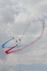 PAF - Meeting arien Coulommiers - 08/08/2010 (YackNonch) Tags: sky cloud france plane canon airplane eos fly action aviation jet meeting airshow ciel 7d vol ef avion avions paf dassault arien patrouille voler alphajet voltige patrouilledefrance lieu canon70200f28l canonef70200mmf28lisusm coulommiers