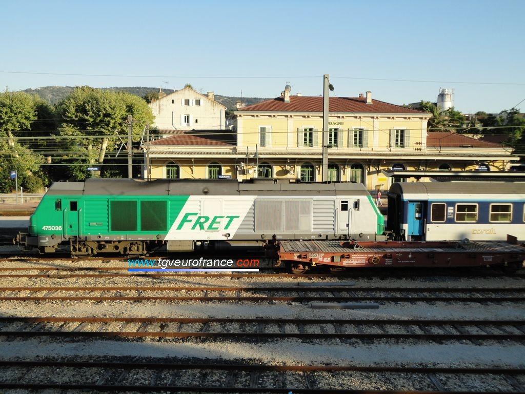 Une locomotive thermique BB 75000 de Geodis FRET SNCF en gare d'Aubagne le 19 juillet 2010