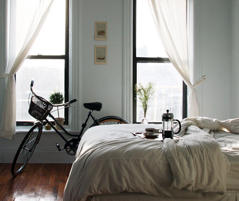 bedroom-bike-thejewelsofnewyork
