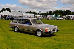 Big Wheels Car Show (Martin Pettitt) Tags: show summer classic ford car suffolk estate bigwheels granda 2010 stonhambarns nikond90 afsdxvrzoomnikkor18105