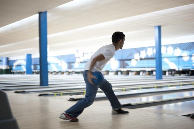 Manny bowls