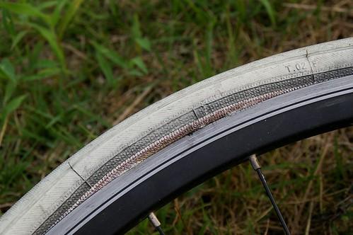 タイヤが膨らんでいる。。。