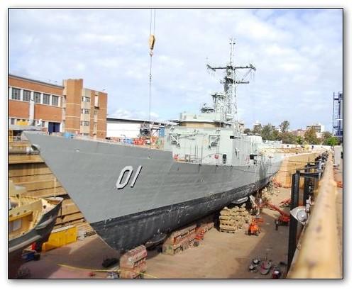 hmas-adelaide-dry-dock-sept-2008-6