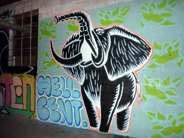 P1030380-2010-08-14-Living-Walls-Opening-EyeDrum-Elephant