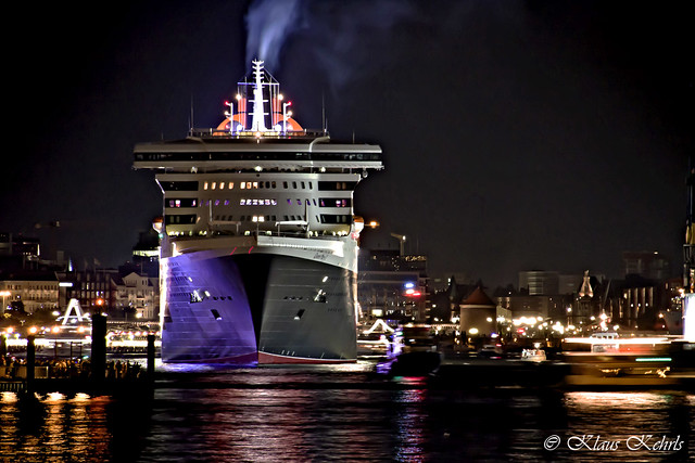 Queen Mary 2 16081008